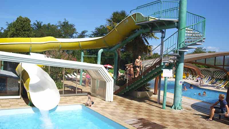 ile d'Oleron Camping La Brande toboggan aquatique et piscine couverte Parc aquatique