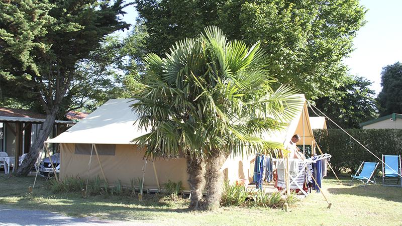 Camping Ile D'Oleron Tente Safari au Camping La Brande 002