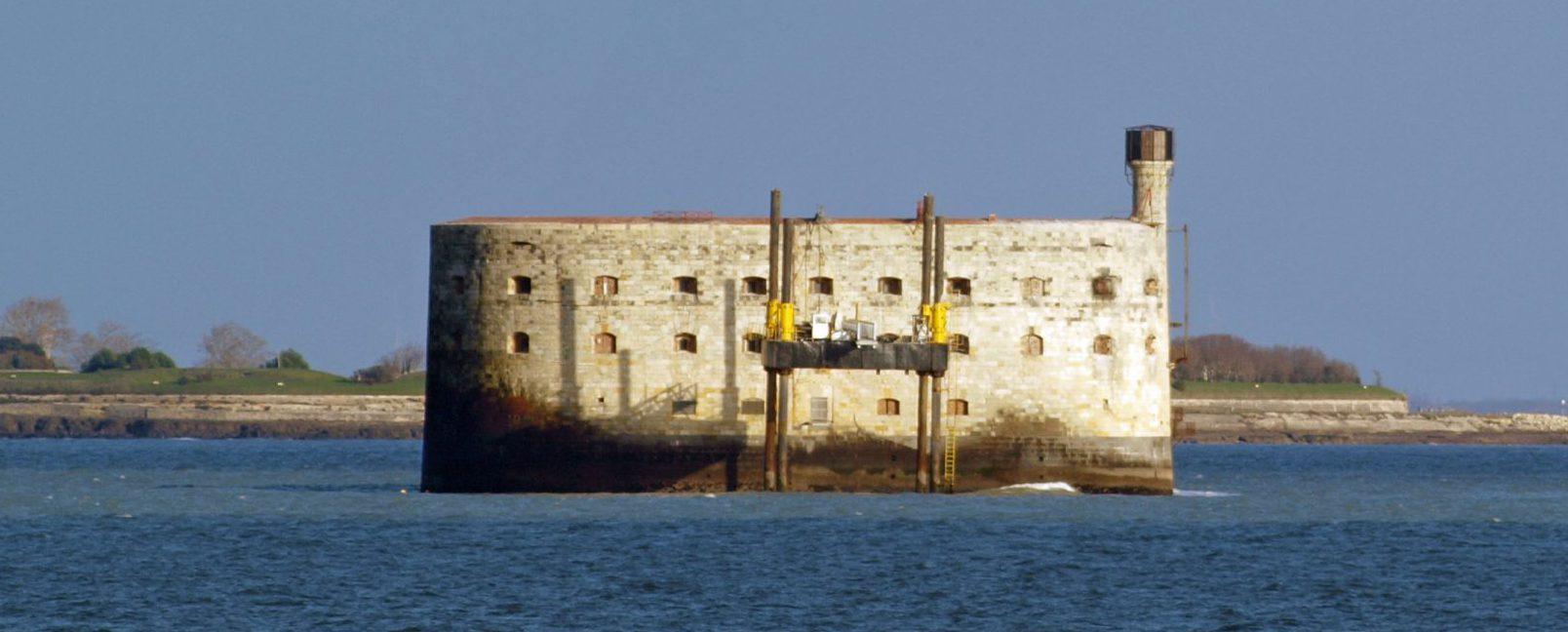 au large de l'ile d'Oleron, le fort boyard